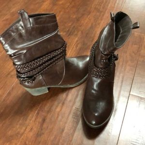 Maurices boots NWOT
